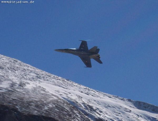 Axalp: F-18