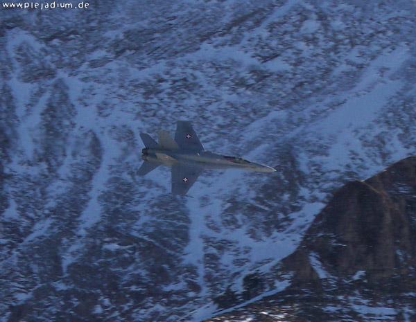 F-18 an der Axalp