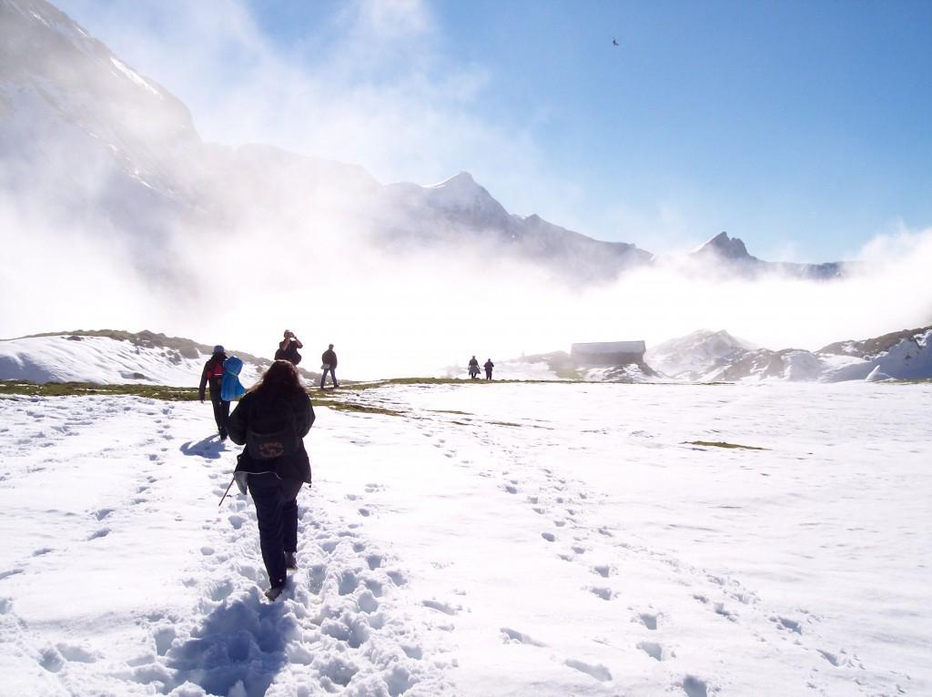 Abstieg im Schnee