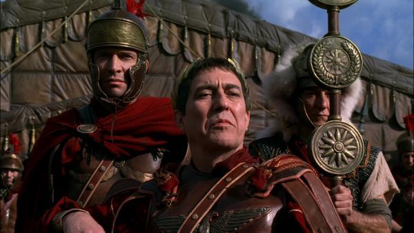 Zwei wichtige Protagonisten in der Serie Rome: Julius Caesar und Markus Antonius in Gallien