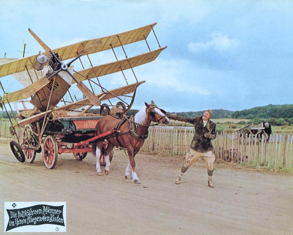 Die tollkühnen Männer in ihren fliegenden Kisten: Sir Percy hat Probleme