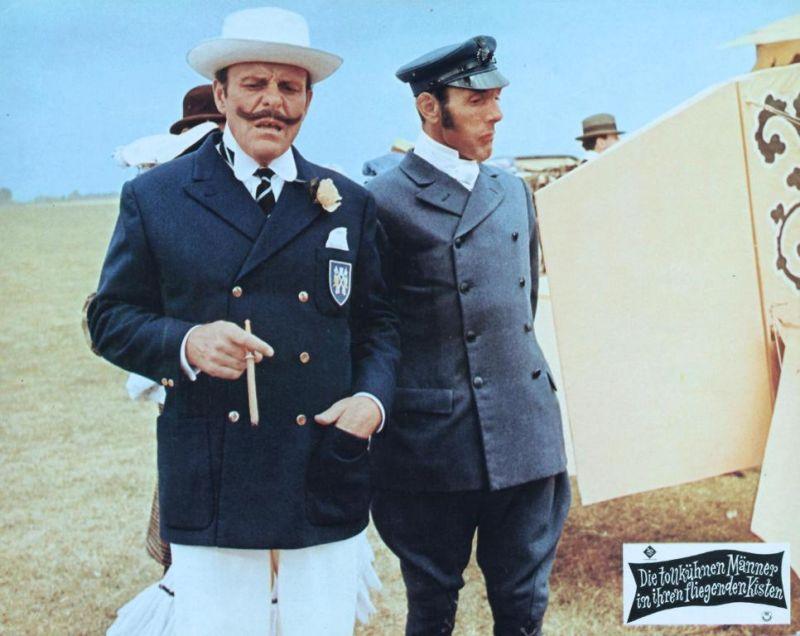Die tollkühnen Männer in ihren fliegenden Kisten: Sir Percy und sein Butler