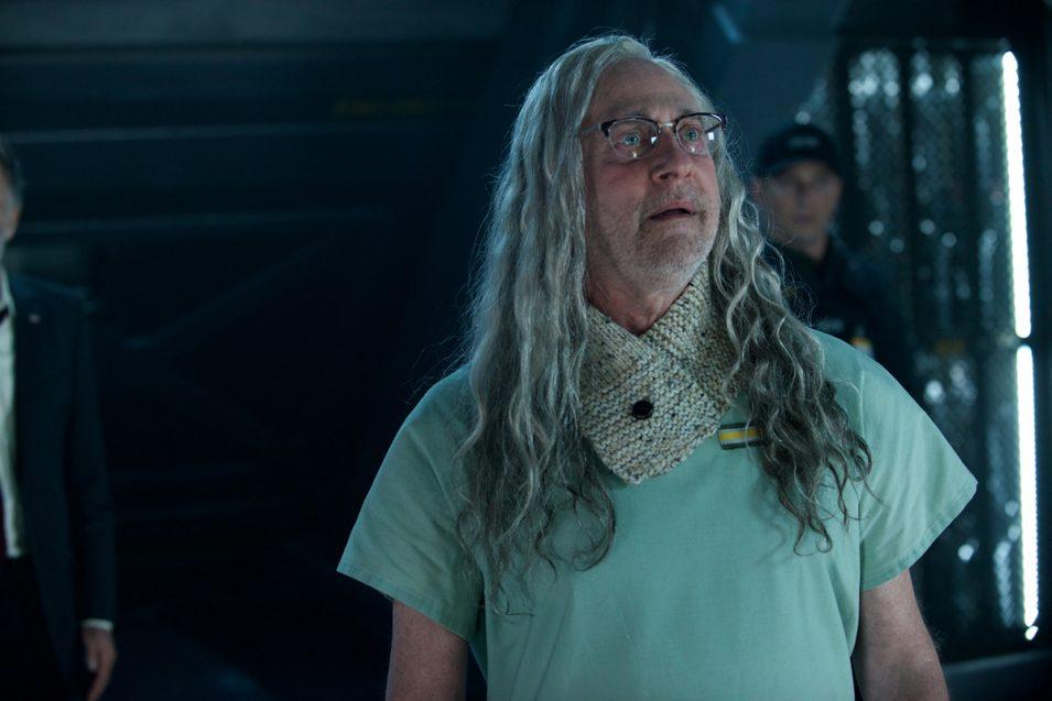 """Dr. Okun, gespielt von Brent Spiner, der - wie mir jetzt erst bewusst wird - auch den Androiden """"Data"""" in Star Trek spielt <3"""