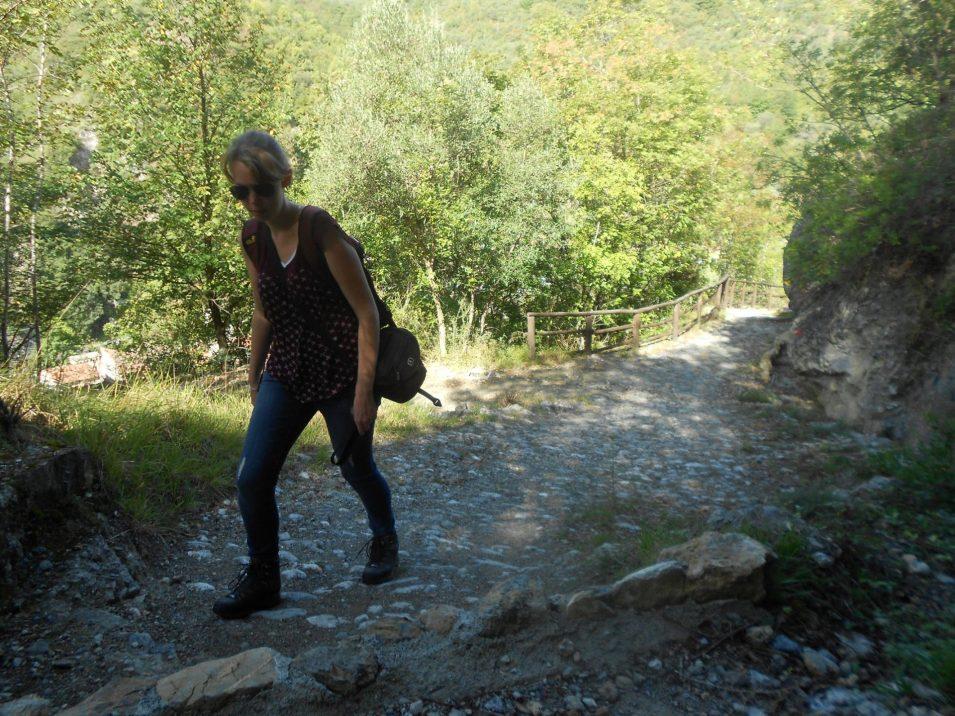 Ravana beim Aufstieg zum Castello von Zucarello