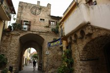 Eines der Stadttore von Villanova d'Albenga