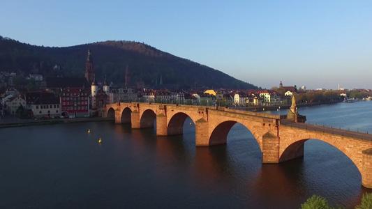 [Video] In Heidelberg zum Sonnenaufgang Drohne fliegen