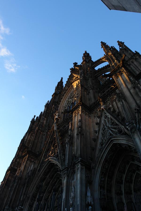 Kölner Dom in Nachmittagssonne