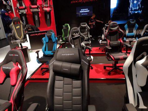 Gamescom 2018 - Stühle testen