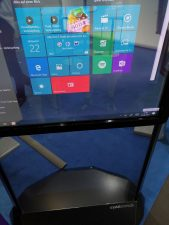 Transparenter Screen auf der Gamescom 2018