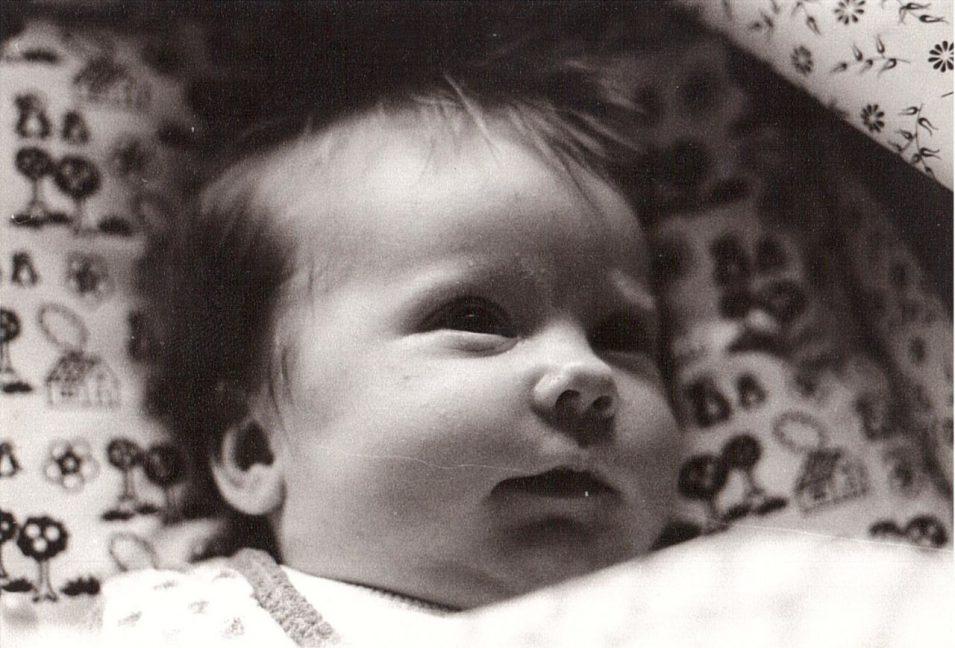 Debbie im März 1982