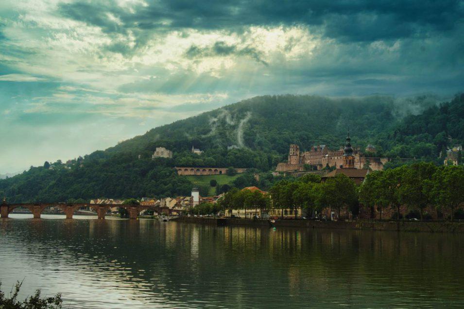 Schloss Heidelberg mit viel Drama und Fake-Himmel